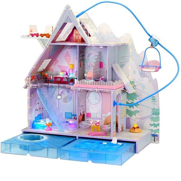 MGA 571452 - LOL Surprise OMG Winter Chill Cabin Wooden Doll House, Ziemassvētku māja , lol māja ar 95+ pārsteigumiem
